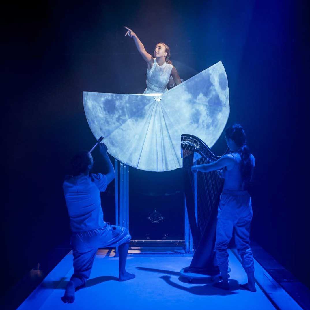 'Danza a Escena' arranca en Arganda del Rey con 'La luna en un cazo (un espectáculo incomprendido)'