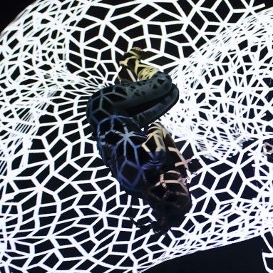 'Danza a Escena' recala en el Teatre Municipal Cal Bolet de Vilafranca del Penedés con 'LÙ'