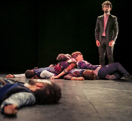'Danza a Escena 2018' se despide mañana del Teatro Chapí de Villena con 'La maldición de los hombres Malboro'