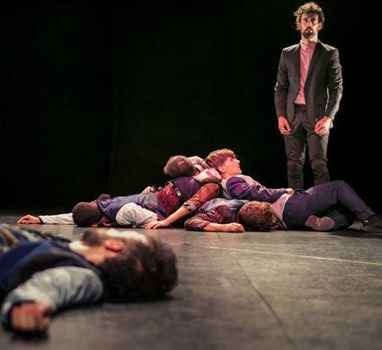 El circuito Danza a Escena llega al Paraninf de la Universitat Jaume I de la mano de 'La maldición de los hombres Malboro'